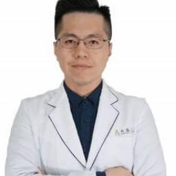 張哲寧 講師